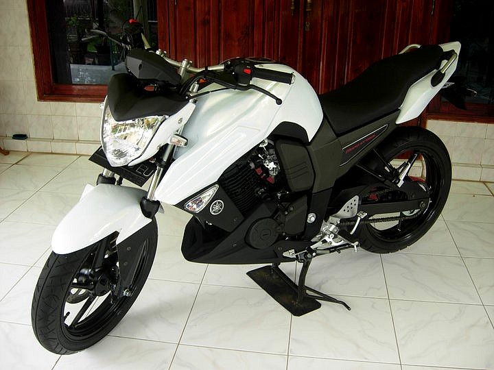 Modifikasi striping yamaha byson modif striping
