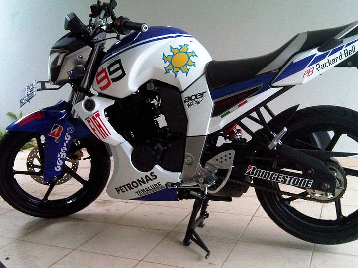 Foto Yamaha Byson Modifikasi Byson Yang Simple Minimalis title=