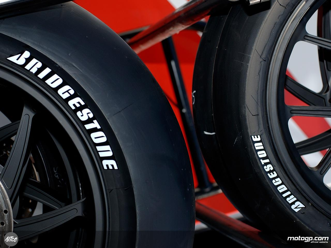 Setelah Hengkang Dari Formula 1 Bridgestone Ternyata Enggan