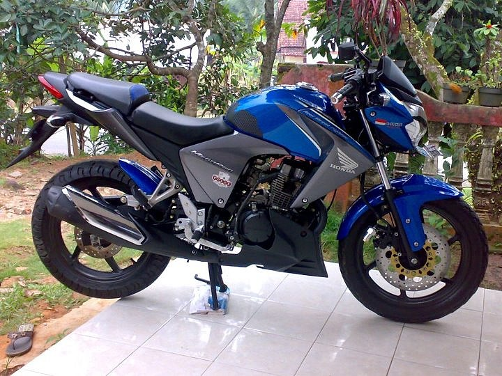 Modif minimalis Honda New Megapro. Ini baru keren!! | Iwanbanaran.com