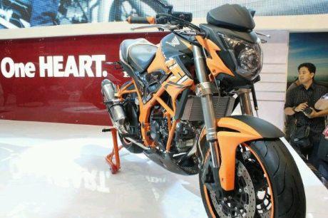 Kumpulan Koleksi Foto Honda CB150R Street Fire Tralis 2013 Lengkap Hardika Com