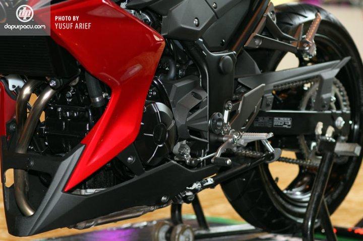 Kawasaki_Z250_11