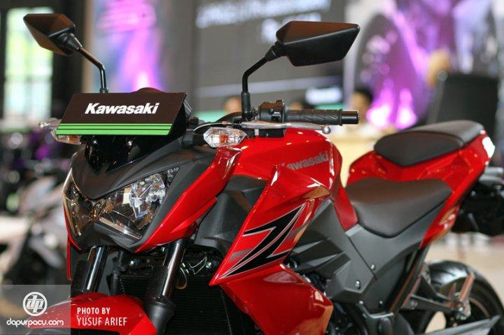 Kawasaki_Z250_12