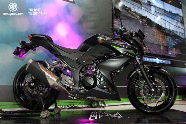 Kawasaki_Z250_18