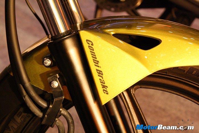 Honda-CB-Trigger-Combi-Brake
