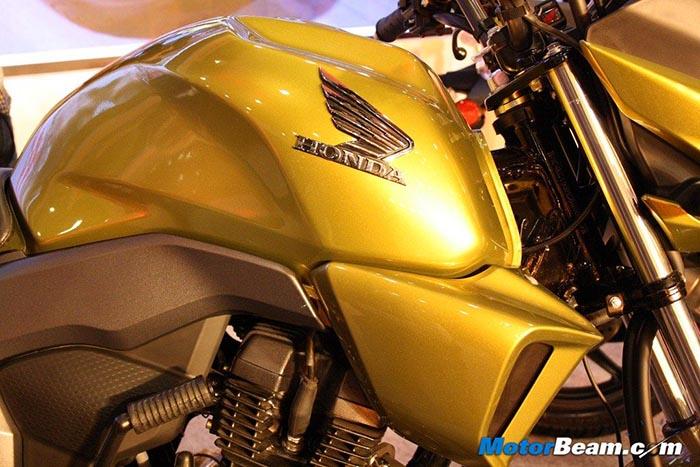 Honda-CB-Trigger-Tank