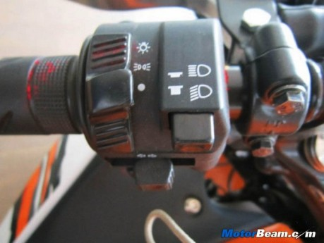 New-Honda-CBR150R-Switchgear