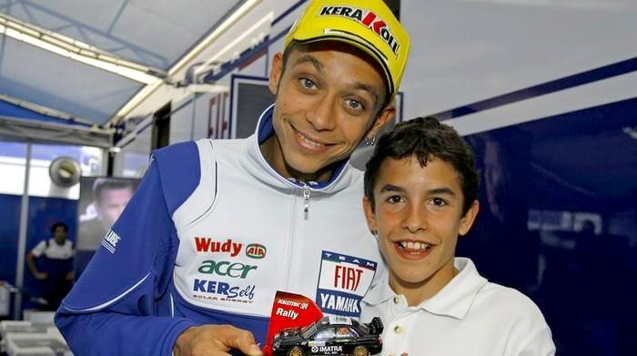 Marquez kecil minta tanda tangan sang idola...VR46