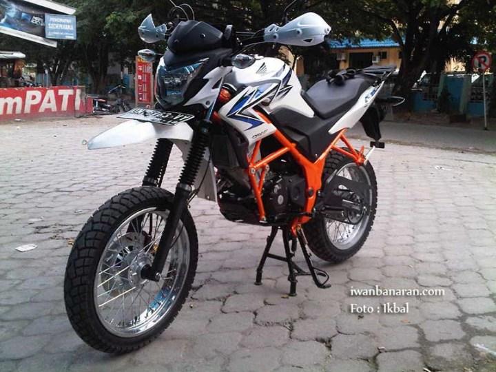 CB150