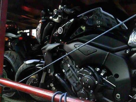 Foto Spied pendistribusian Yamaha FZ1 di Tanah Air