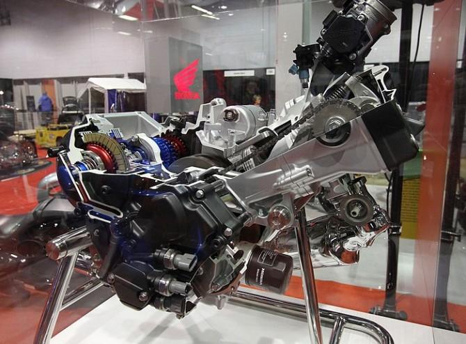 Engine CTX700