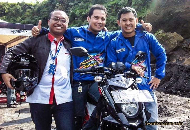 Kompak bersama bro Radit dan Pak Eko (Yamaha) saat turing X-Ride Merapi....