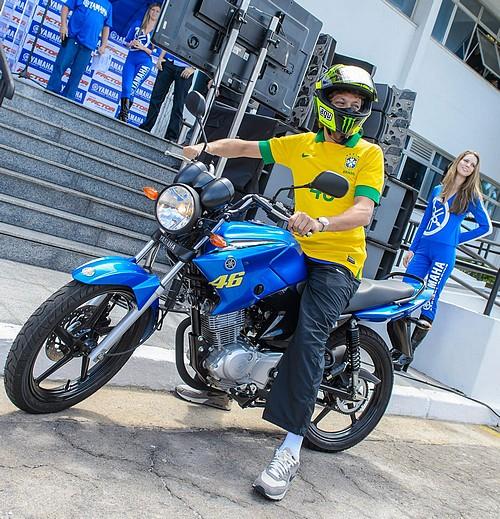 Rossi saat mengunjungi sirkuit Brazil