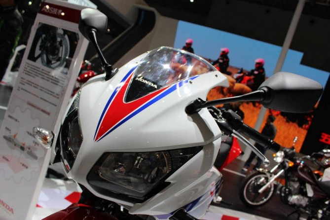 CBR300R-unveiled-specifications