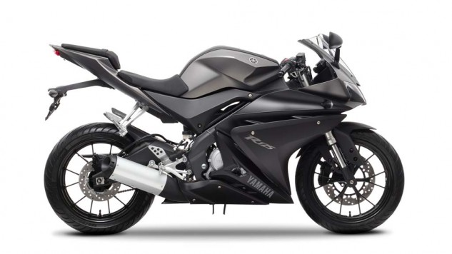 021414-2014-Yamaha-YZF-R125-EU-Matt-Grey-Studio-002-633x356