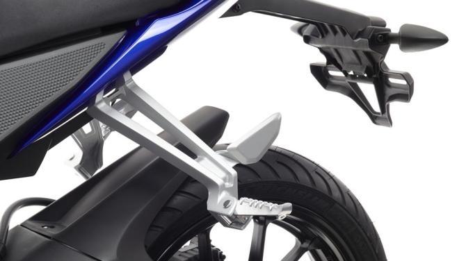 2014-Yamaha-YZF-R125-EU-Race-Blu-Detail-020