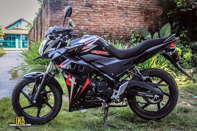 Honda CB150R (2)