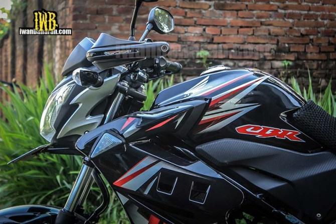 Honda CB150R (4)