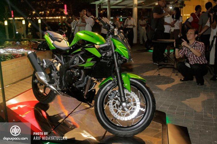 Kawasaki_Z_250_SL_005