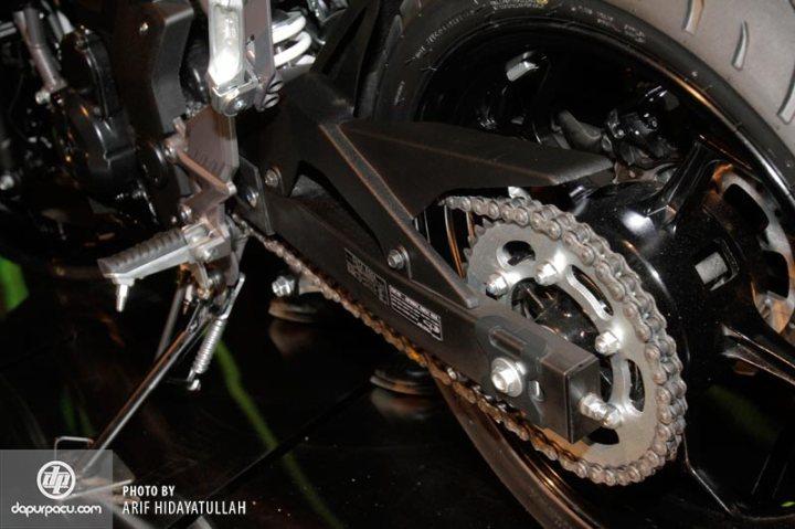 Kawasaki_Z_250_SL_012