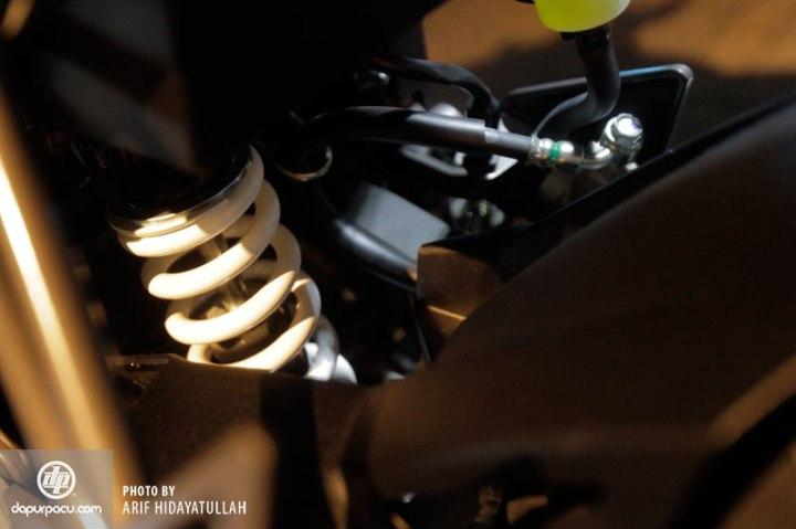 Kawasaki_Z_250_SL_017