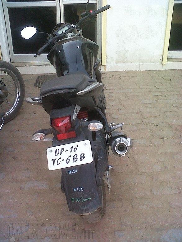 New-Yamaha-FZ-Version-2-Spy-Pics-rear
