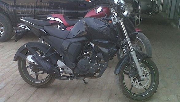 New-Yamaha-FZ-Version-2-Spy-Pics-side