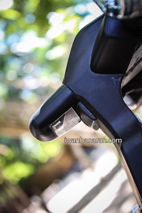 Yamaha YZF_R15 (11)