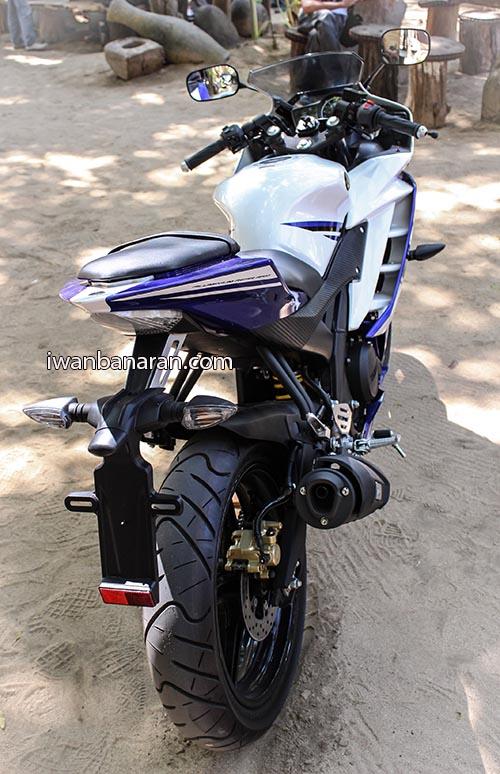 Yamaha YZF_R15 (12)