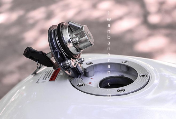 Yamaha YZF_R15 (2)