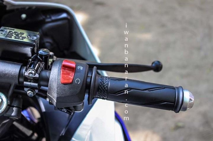 Yamaha YZF_R15 (26)