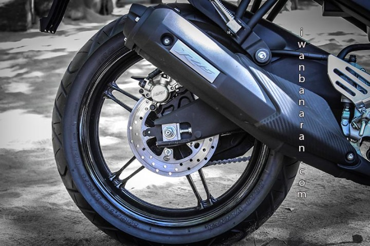 Yamaha YZF_R15 (8)