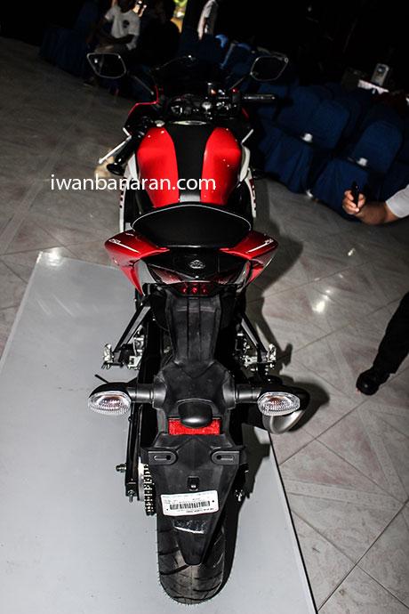 Yamaha_YZF_R25-12