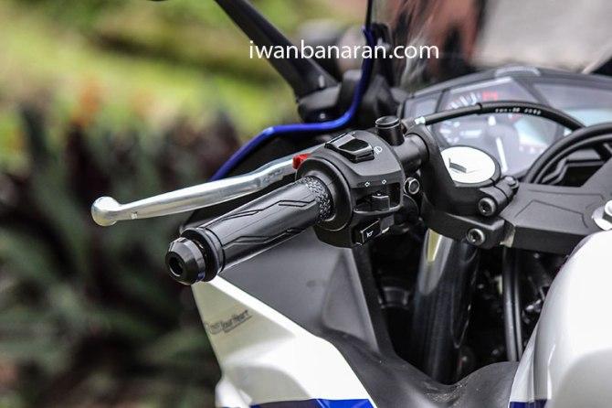 Yamaha_YZF_R25-261