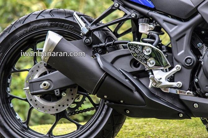 Yamaha_YZF_R25-42