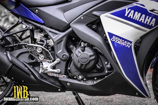 Yamaha_YZF_R25-46