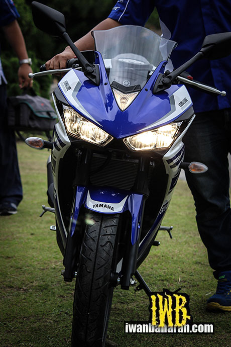 Yamaha_YZF_R25-48