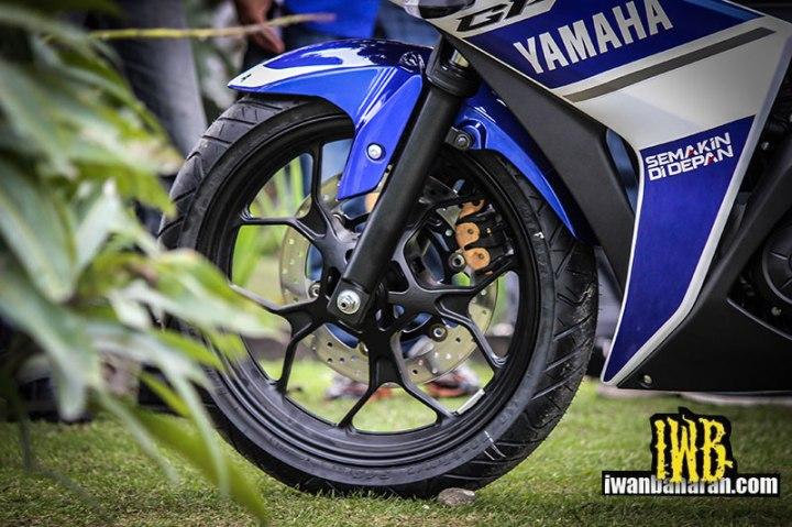 Yamaha_YZF_R25-56