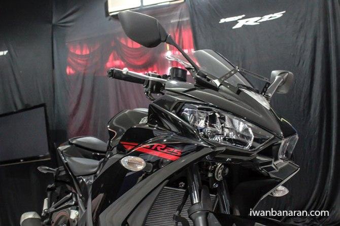 Yamaha_YZF_R25-8